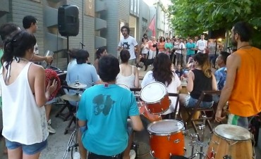 'La Fábrica del Ritmo': los tambores salieron a la calle