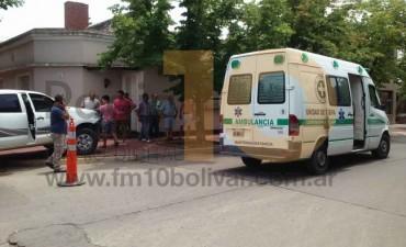 Violento impacto en la esquina de la avenida Alsina y Dorrego