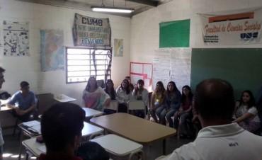 Estudiantes de la Facultad de Derecho de Azul visitaron la Unidad N°38