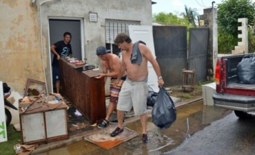En Pergamino iniciaron el operativo 'Vuelta a Casa', muchos con la angustia de haberlo perdido todo