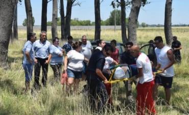 Olavarría: Automóvil despistó en la ruta 226 e impactó contra un árbol