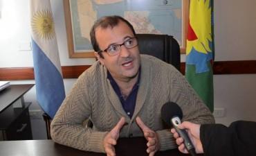 Daletto propone incorporar leyenda sobre Línea 144 contra Violencia de Género en actos oficiales