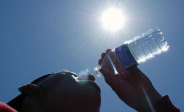 El Ministerio de Salud brinda recomendaciones para evitar los golpes de calor a bebes y adultos mayores