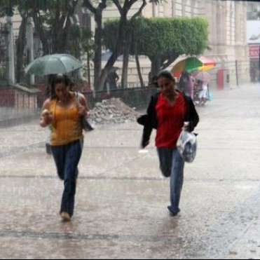 Lo llovido es de 7 mms. y seguirá hasta la mañana del lunes