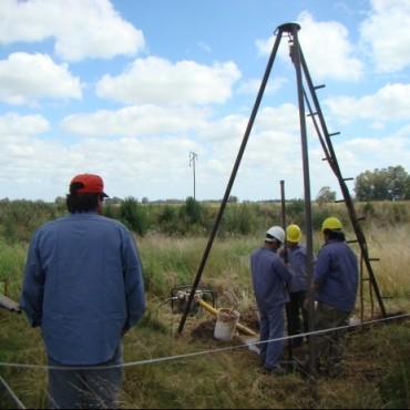 Se trabaja en los sondeos de suelo donde se colocarán las fundaciones