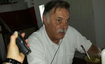Ruiz: 40 años al servicio de la gente; en Rentas, en la Intendencia y en el aula