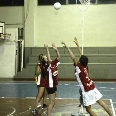 Se disputaron nuevos partidos del 'Torneo Mixto de Cesto'
