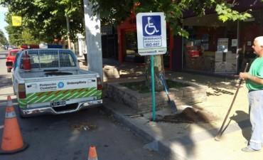 'Protección Ciudadana' está colocando señalética de tránsito en distintas calles de Bolívar
