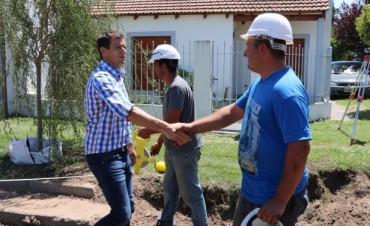 PAVIMENTO CONTINUO: Comenzó el hormigonado en el barrio Acupo