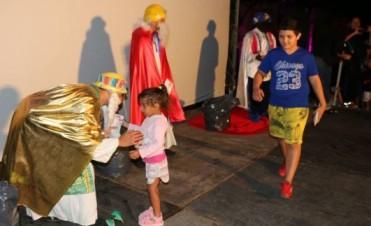 Los Reyes Magos estuvieron este jueves por la noche en el playón de la Estación de Ferrocarril