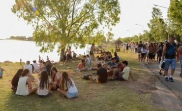 """Este sábado en el lago 'Cochicó': Valeria Lynch y el """"Pajaro"""" Schumacher"""