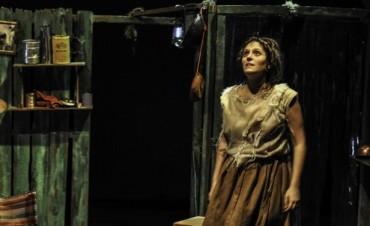 CULTURA: Se presenta la obra teatral 'Bolada' en el Auditorio Municipal