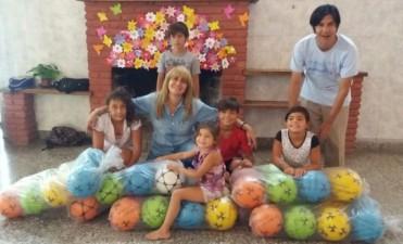 Trabajar sin pausa: Sandra Santos sigue visitando instituciones