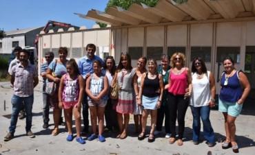 El Intendente visitó el jardín 905 donde ya comenzaron a desmontarse las aulas de chapas