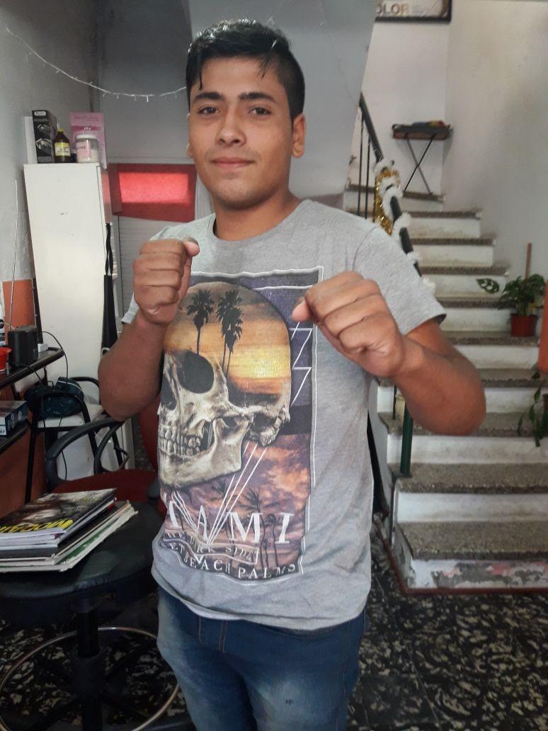 Renzo Navarro peleará en Urdampilleta