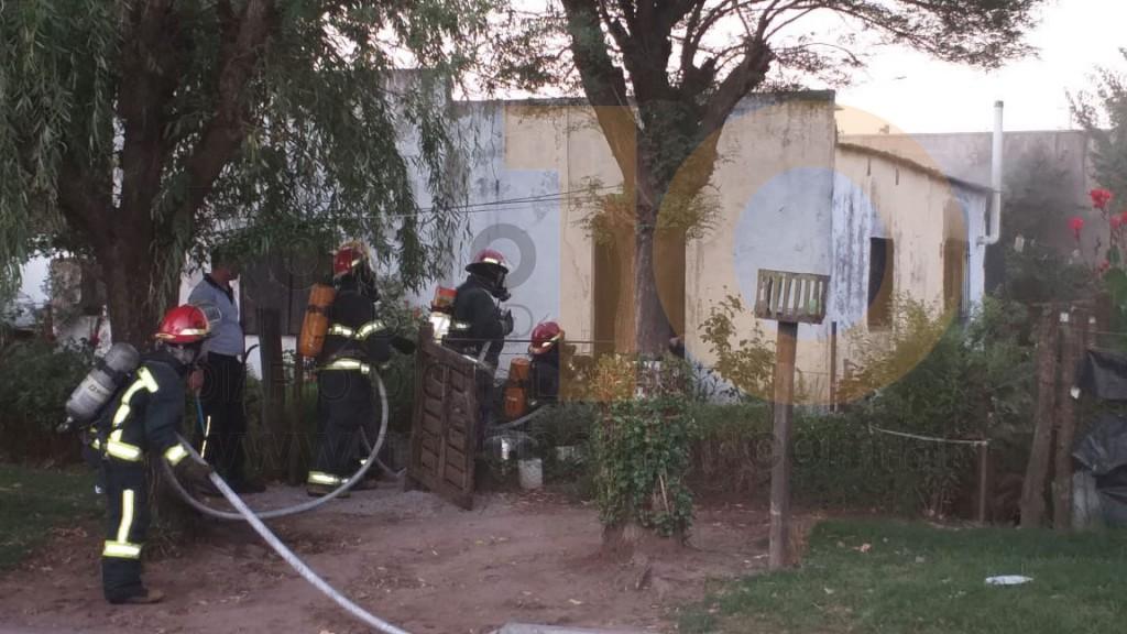 Incendio en una vivienda en Barrio Los Troncos: No había personas en el interior