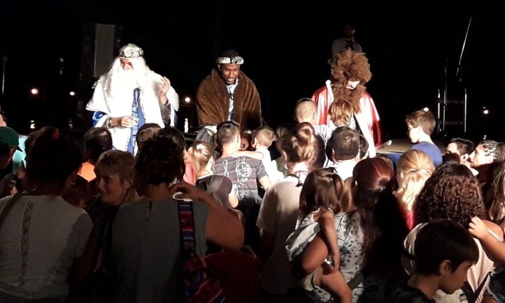 Los Reyes Magos sorprendieron a los niños de Bolívar y las localidades