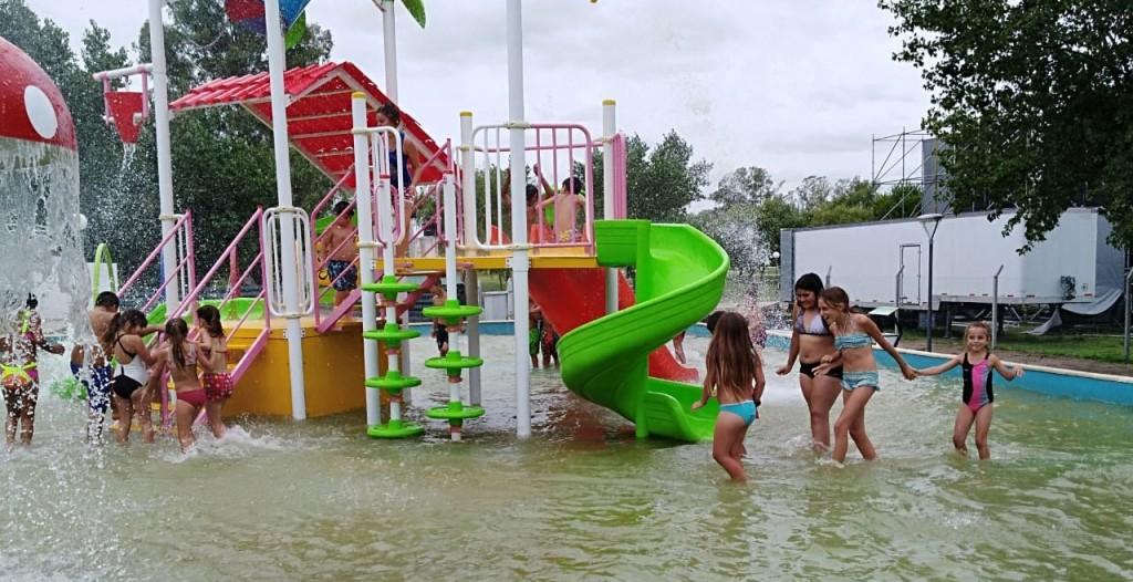 El DIAT visitó el parque acuático