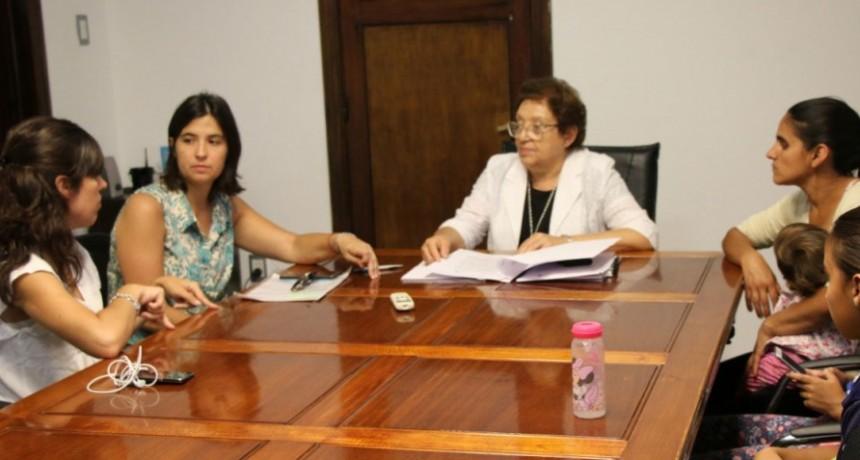 La intendenta interina Ana Natiello firmó importantes convenios con instituciones educativas