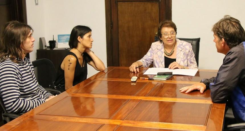 Natiello firmó un convenio con la primaria N.° 7 y secundaria N.º 6