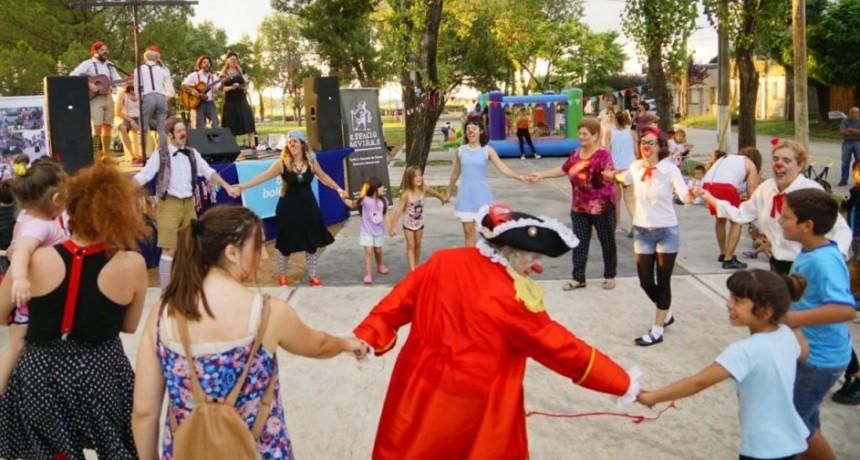 Los Crispines visitaron 'Mi Casita' y el Comedor 'Pequeños Gigantes'