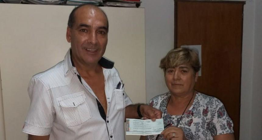 Se realizó el sorteo del Súper Bono y la entrega de una parte del dinero recaudado por las ventas de los números a Club Sportivo Villa Sanz