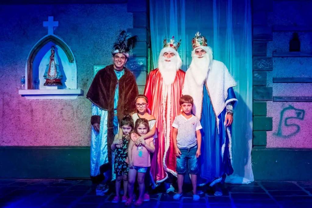 Llegaron los Reyes Mágicos al predio del ferrocarril