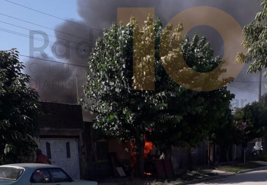 Voraz Incendio en una vivienda de Barrio Zorzales