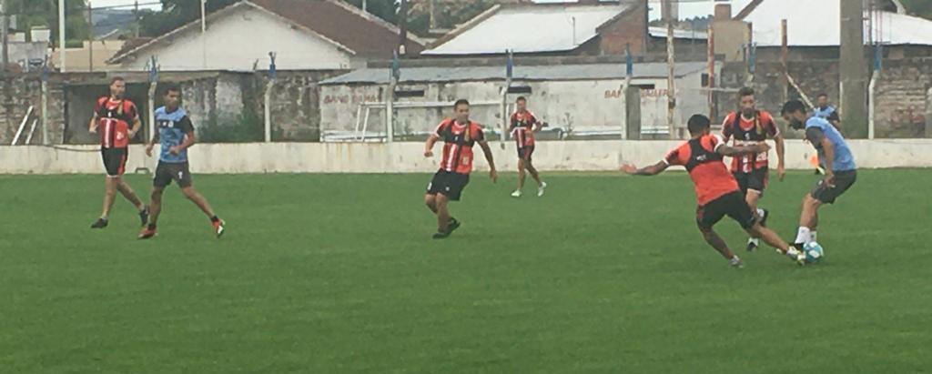 El Club Ciudad de Bolívar suma minutos de fútbol pensando en el Torneo Regional Federal Amateur