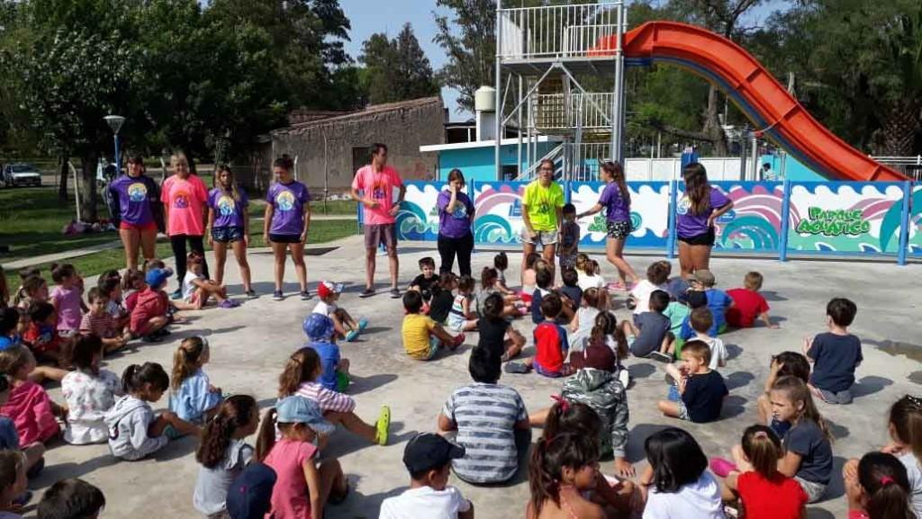 La Colonia del Club Ciudad visitó el Parque Acuático Municipal