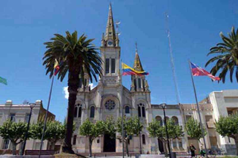 La Parroquia San Carlos Borromeo invita a participar del proyecto Heladera Comunitaria