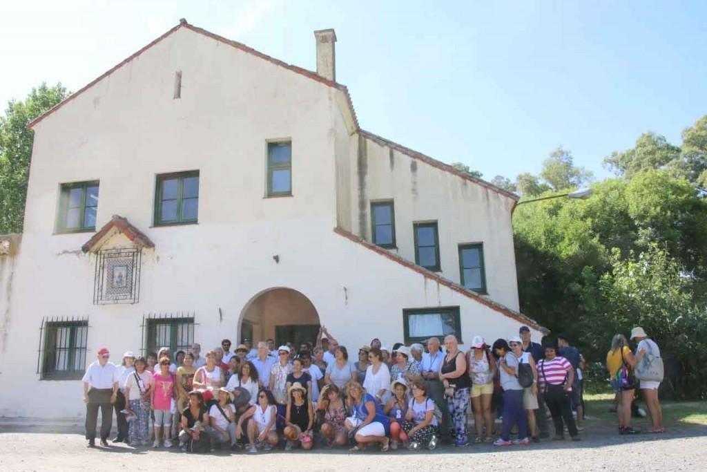 La Dirección de Turismo realizó un city tour con maestros rurales