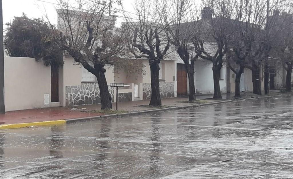 Hasta 25 MM y fuertes vientos se registraron en la noche del pasado martes en la Bolívar y la zona