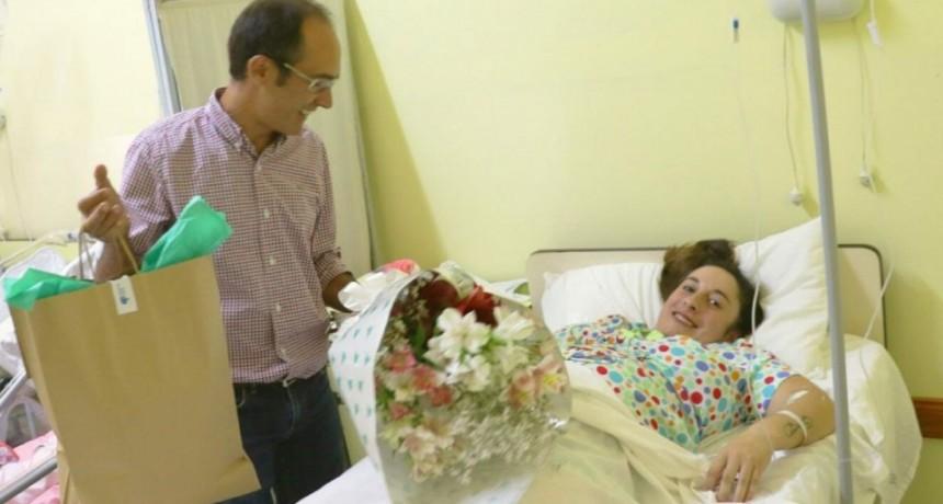 El Intendente Pisano visitó a la primera beba del año nacida en Bolívar