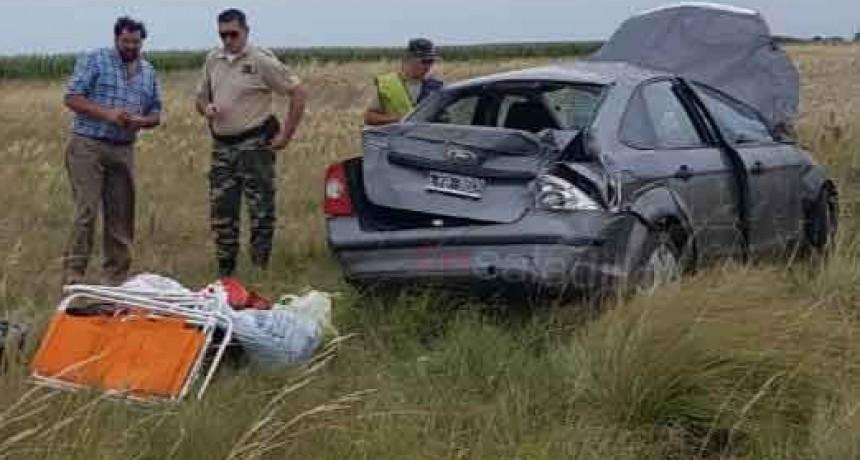 Saladillo: Vuelco de un auto en la Ruta 205