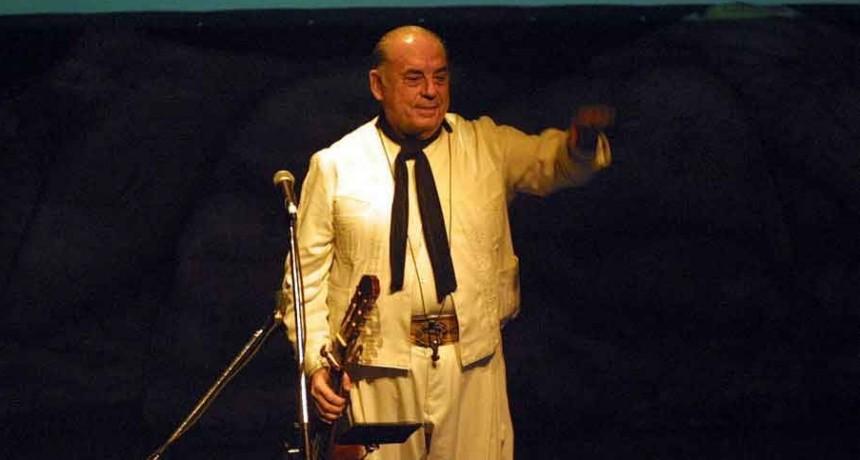 Falleció Juan Carlos Saravia, histórico líder de Los Chalchaleros