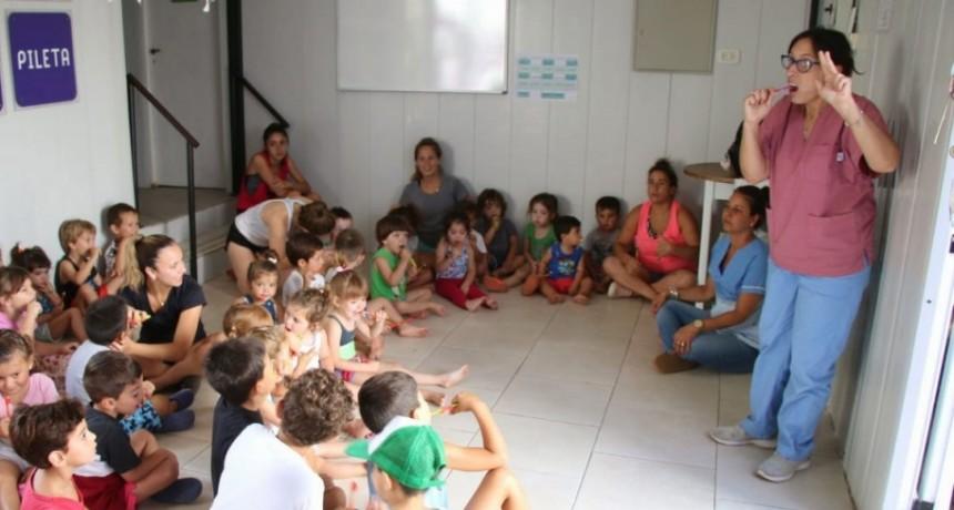 El programa preventivo de salud bucal llegó a la colonia Aquapoint