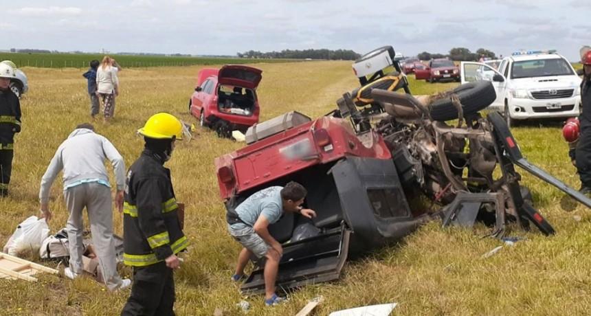 Ruta 3: llevaba de tiro un vehículo que terminó volcando