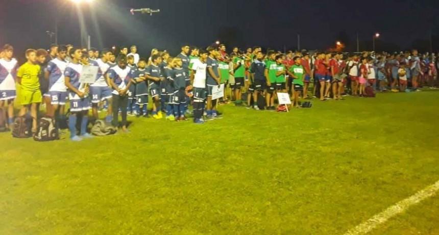 Reconocimientos y emoción en el comienzo del Mundialito Homenaje Nico Treviño