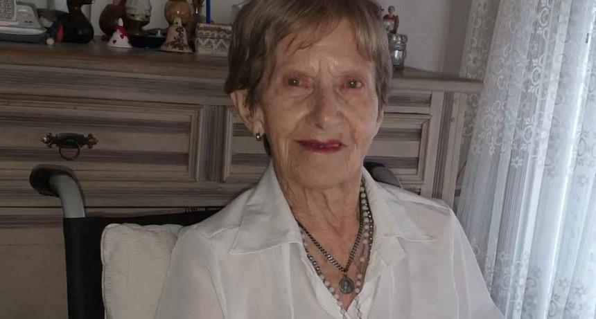 Julia Pérez Irigoyen; 103 años de vida transitados con mucho amor