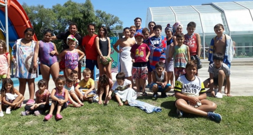 La Colonia Aquapoint visitó el Parque Acuático