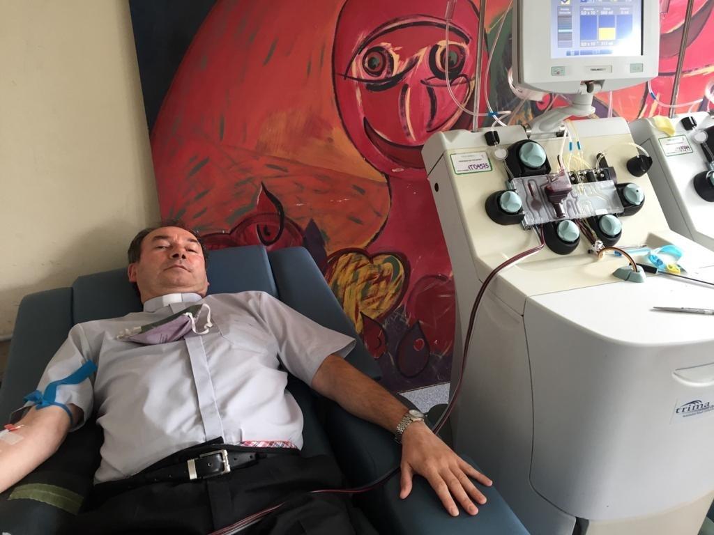"""Padre Mauricio Scoltore: """"No hay que subestimar al virus, lo puedo decir porque la pasé mal y estuve más de un mes aislado"""""""