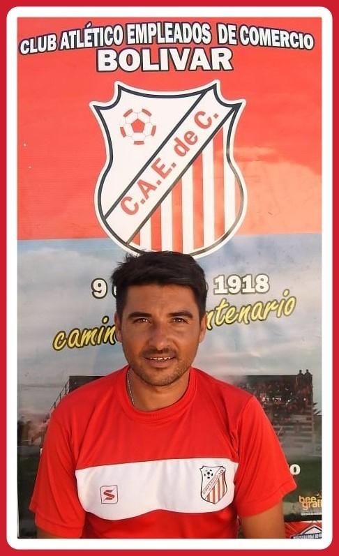 """Julio Zorrilla (DT Empleados): """"Separando el fútbol y la pandemia, este año no fue tan malo, voy a ser papá"""""""