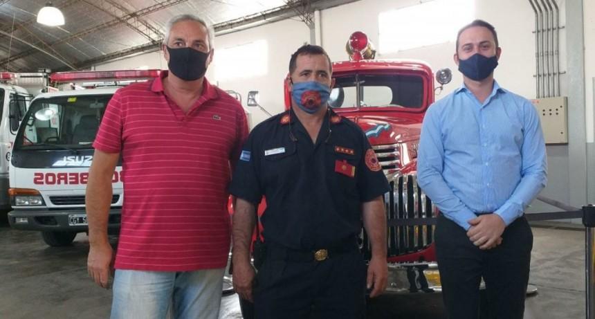 Bomberos Voluntarios exhibió una compra de equipamiento para protección personal