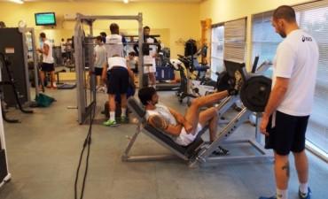 Personal Bolívar volvió a entrenar y jugará amistosos con Gigantes