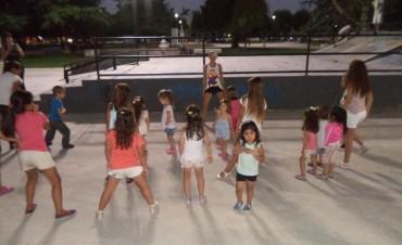 Se realizó una nueva edición de la 'Ronda Catonga' y clases de 'Hip Hop' en el Centro Cívico