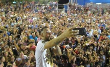 Con miles de personas, pasó la primera noche del carnaval 2016