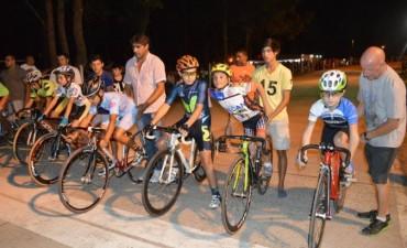 Ciclismo Carlos Casares: Buena actuación de Alexander Álvarez