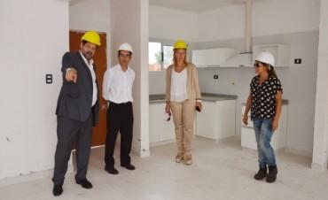 Marcos Pisano, junto a representantes del Banco Hipotecario de Junín, recorrieron el Complejo 'PROCREAR'