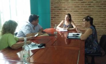 'La Oficina de Empleo' se reunió con la Cámara Comercial
